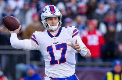 Josh Allen, Kyle Williams highlight Buffalo Bills' rout of Miami Dolphins