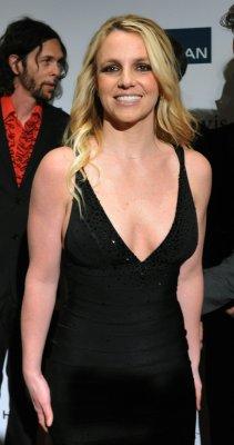 Pop star Britney Spears goes brunette