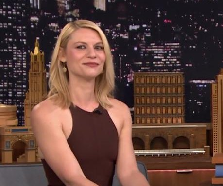 Claire Danes, Jimmy Fallon play 'Fast Family Feud' on 'Tonight Show'