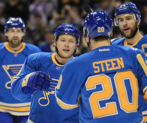 St. Louis Blues continue mastery of Arizona Coyotes