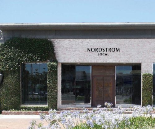 Nordstrom suspends efforts to take company private