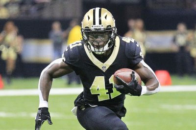 New Orleans Saints dominate Tampa Bay Buccaneers for sixth straight win