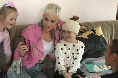Katy Perry surprises young fan who has brain tumor