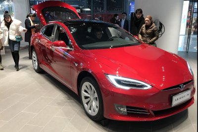 Tesla appoints two new board members to comply with SEC settlement