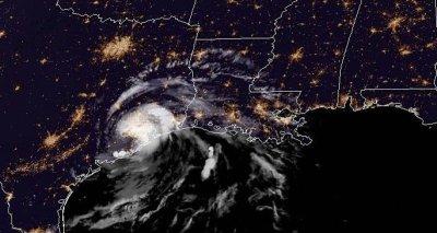 Tropical Storm Imelda makes landfall over Texas, Houston prepares for flooding