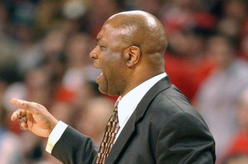 Florida State men's basketball coach Leonard Hamilton signs 5-year extension