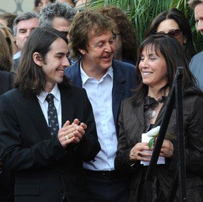 McCartney, Starr go to 'Beatles' premiere