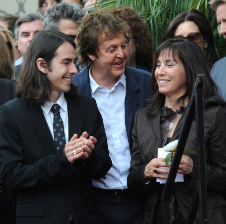 McCartney, Starr go to 'Beatles' premiere