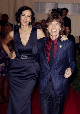 Mick Jagger says goodbye at L'Wren Scott's funeral