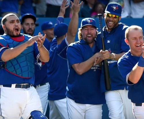 Toronto Blue Jays clinch division, split doubleheader with Baltimore Orioles