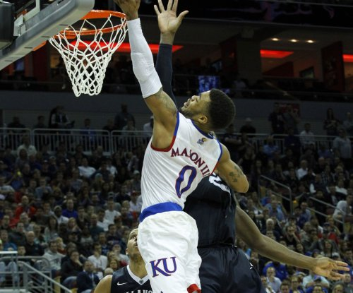 Frank Mason powers No. 3 Kansas past Nebraska