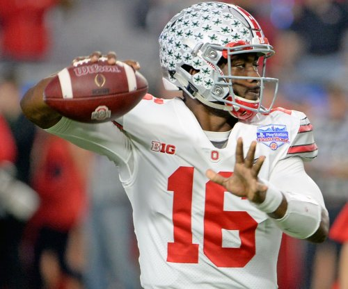 J.T. Barrett sets record in Ohio State's win over Army