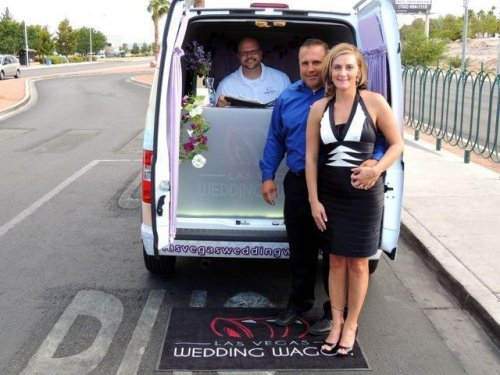 Las Vegas Wedding Wagon delivers nuptials