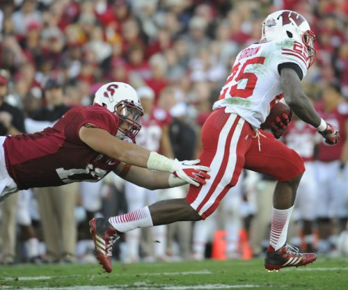 Melvin Gordon powers Wisconsin to sixth straight win