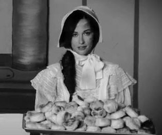 Kacey Musgraves serves up 'Biscuits' music video