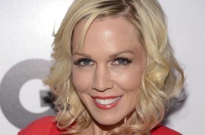 Jennie Garth marries Dave Abrams after eight months of dating