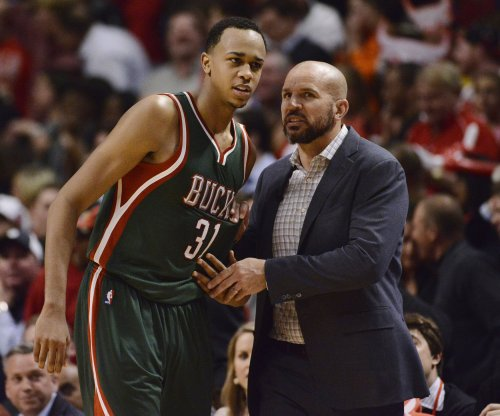 Jewelry store owner apologizes to Milwaukee Bucks' John Henson