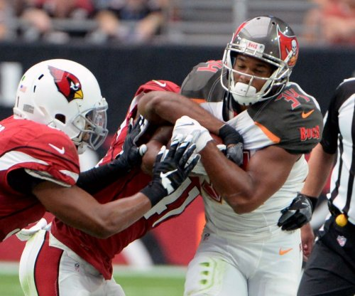 Tampa Bay Buccaneers RB Doug Martin injures hamstring vs. Cardinals