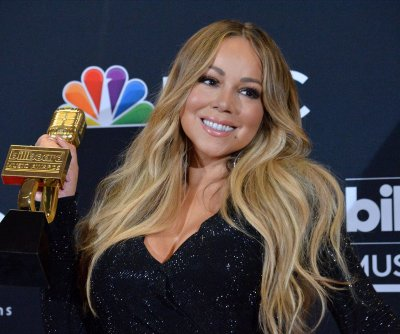 Mariah Carey to release anniversary edition of 'Merry Christmas' album