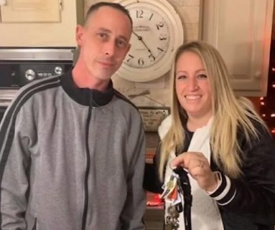 Bagel store manager drives 7 hours to return customer's lost keys
