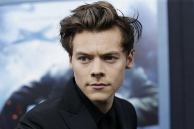 Harry Styles' 'Fine Line' tops U.S. album chart for second week