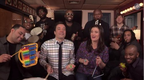 Idina Menzel, Jimmy Fallon sing 'Let It Go' with classroom instruments