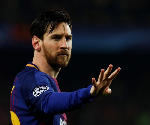 Champions League: Messi nutmegs Chelsea keeper twice, Barcelona advance