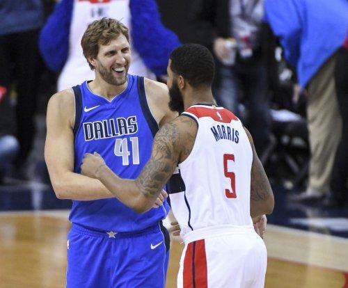 Mavs' Dirk Nowitzki passes Chamberlain on NBA all-time scoring list