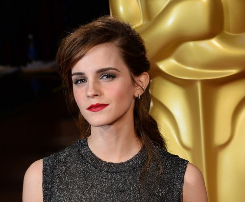 Emma Watson dedicates award to late hamster in odd acceptance speech