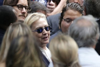 In wake of Clinton's pneumonia, both candidates pledge transparency on health