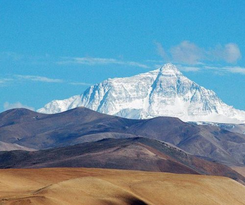 Indian woman climbs Mount Everest twice in record time