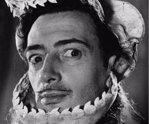 Salvador Dalí's corpse to be exhumed for paternity test
