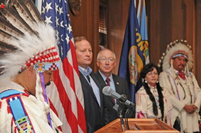 Crow Nation, U.S. sign water rights pact