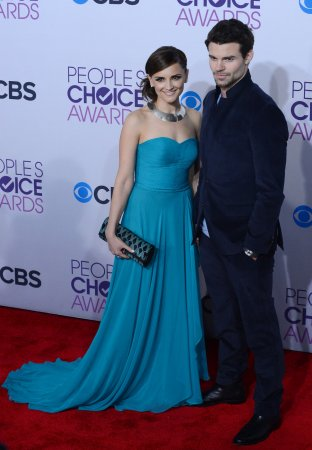 Rachel Leigh Cook and Daniel Gillies expecting first child