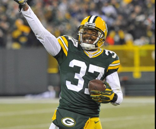Green Bay Packers CB Sam Shields checked for concussion