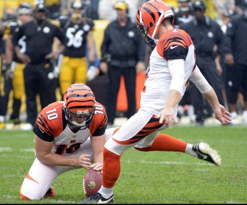 Cincinnati Bengals cut kicker Mike Nugent, sign Randy Bullock