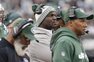 New York Jets extend contracts of Todd Bowles, GM Mike Maccagnan
