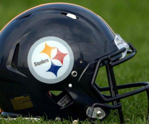 Steelers T Hawkins, TE McGee hurt in practice