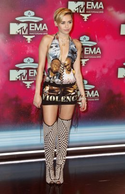 Miley Cyrus' home burglarized on her birthday