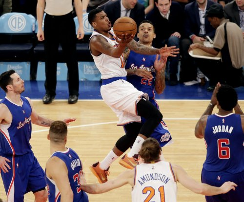 Los Angeles Clippers overwhelm hapless New York Knicks