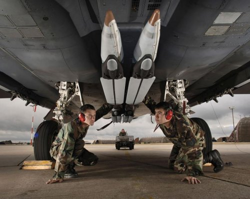 Raytheon low-rate production of SDB II bomb looms closer