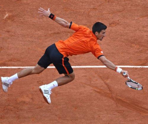 Djokovic, Murray, Nadal reach 3rd round in Paris