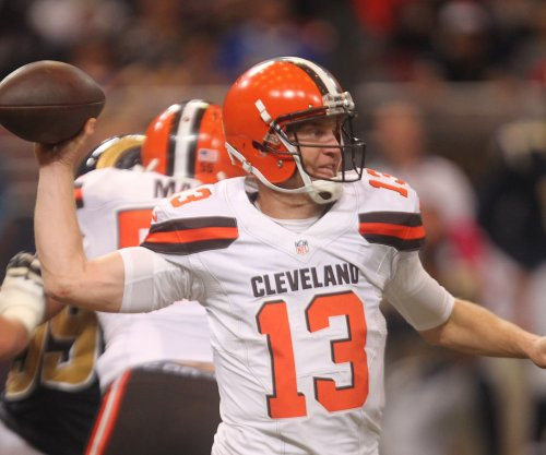Cleveland Browns QB Josh McCown played with broken collarbone