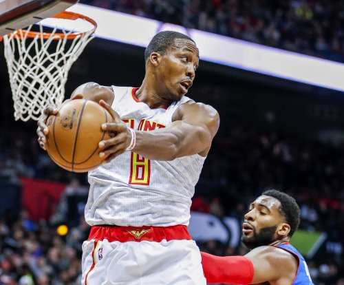 Dwight Howard, Kent Bazemore lead Atlanta Hawks past Philadelphia 76ers