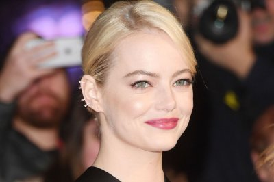 Emma Stone teases Jennifer Lawrence for losing out on 'Easy A' role