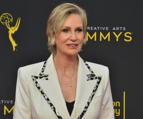 Jane Lynch announces new Netflix series, compares it to 'Golden Girls'