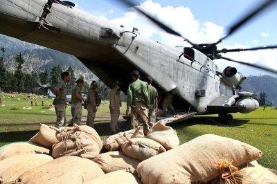 Floods delay Pakistan anti-insurgent fight