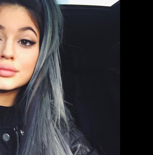 Kylie jenner gets grey hair extensions upi pmusecretfo Image collections