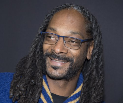 Snoop Dogg misses top answer about marijuana on 'Family Feud'