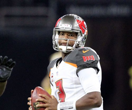 Jameis Winston's late TD pass pushes Tampa Bay Buccaneers over Carolina Panthers